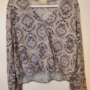 Walter's State Long Sleeved Surplice Top